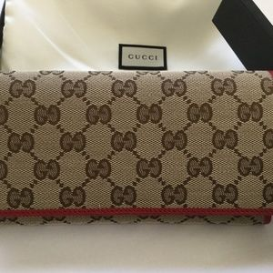cbdefe4dd078 Women's Gucci Continental Wallet on Poshmark